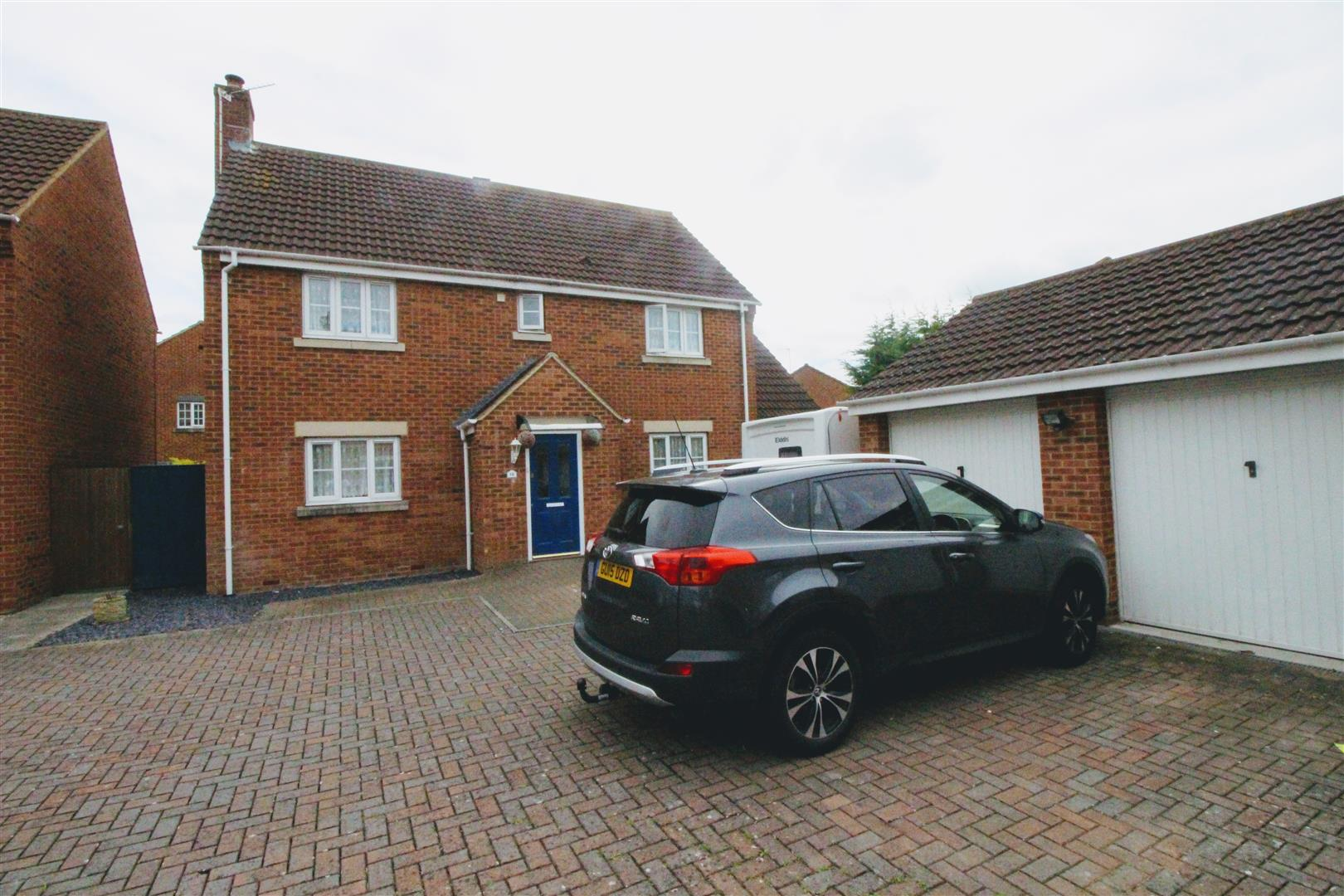 4 Bedrooms Detached House for sale in Stratton St. Margaret, Swindon